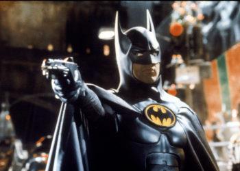 Отрывок из совершенно другого фильма «Бэтмен возвращается» (1992), раннего, который снимал Тим Бертон