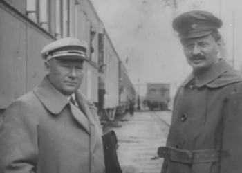 Троцкий и настоящий Чапаев: Что мы увидели в найденном фильме Дзиги Вертова
