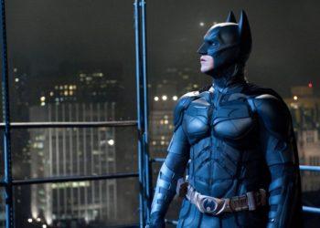 Бэтмен, как спаситель капитализма от революции (подборка отрывков)