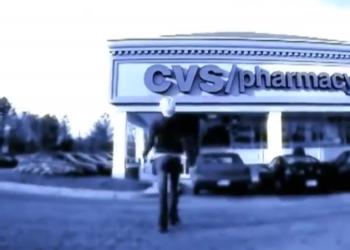 Наш перевод ролика «Почему я люблю красть в магазинах…»