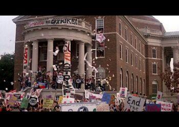 Кадр из фильма «Рождённый четвёртого июля»
