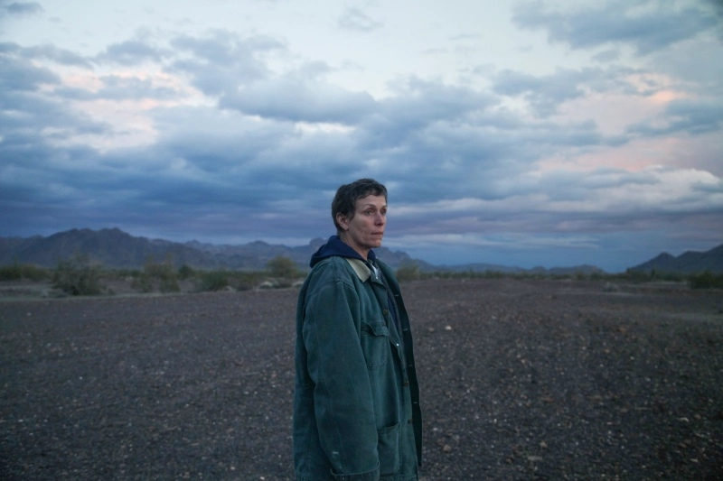 Nomadland («Страна кочевников») — ещё один откровенно левацкий и пролетарский фильм из программы Венецианского кинофестиваля.