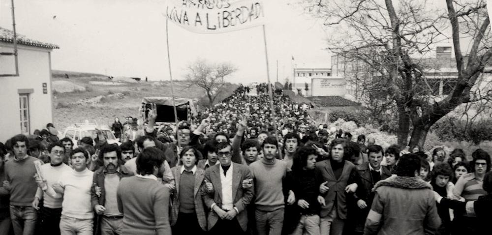 Сцены классовой борьбы в Португалии (Scenes from the Class Struggle in Portugal), 1977 (на английском языке)