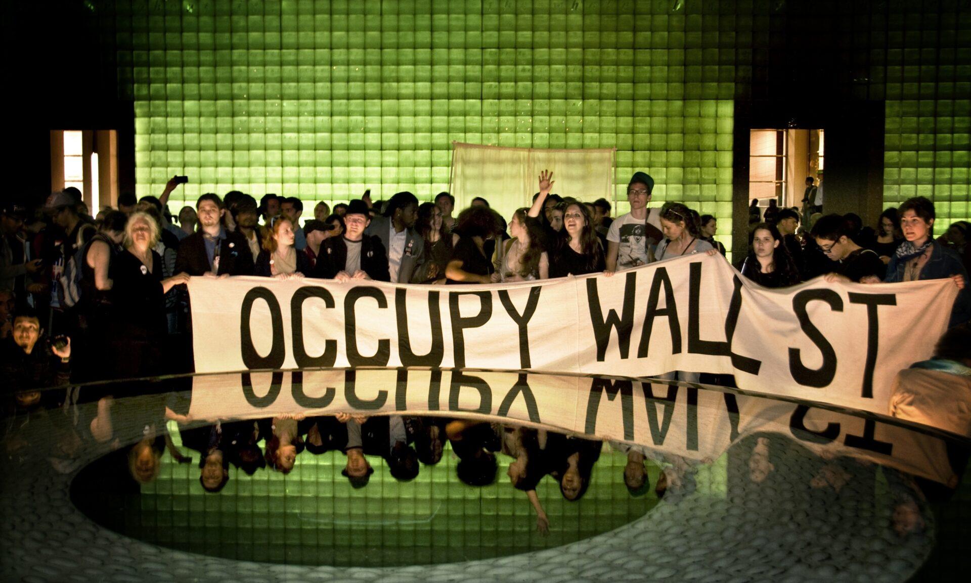 99% - Коллективный фильм Оккупай Уолл-Стрит (99% - The Occupy Wall Street Collaborative Film), 2013 (английские субтитры)